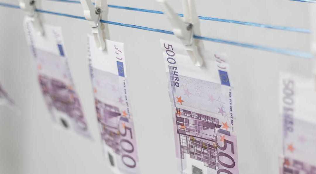"""Neue Strafbarkeit der """"Selbstgeldwäsche"""" – Umstoß anerkannter Prinzipien?"""